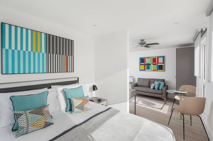 NEW Studio Apartment with Balcony and Sea View