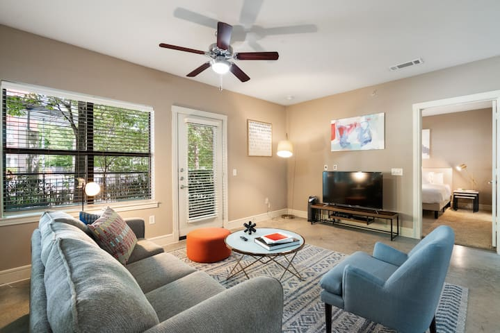 Kasa | Addison | Executive 2BD/2BA Apartment