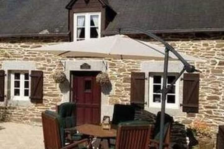 Rural Holiday Gites, 2 traditional stone houses.