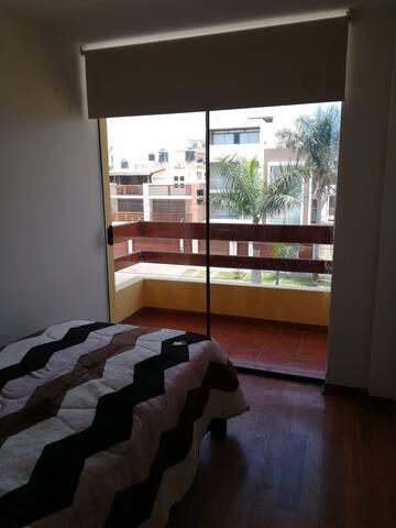 Habitación   cama   1 plz y 1/2 con hermoso balcón