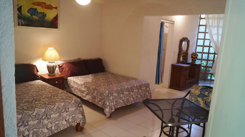 Room Gaviotas (A few steps from the beach)