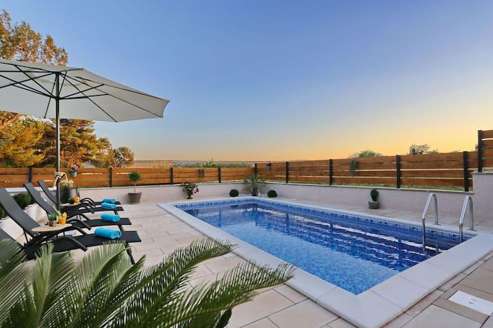 Punta Garden Pool House