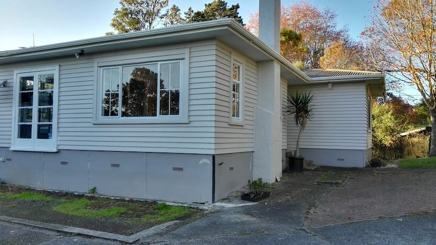 Peaceful garden studio with city convenience - Auckland