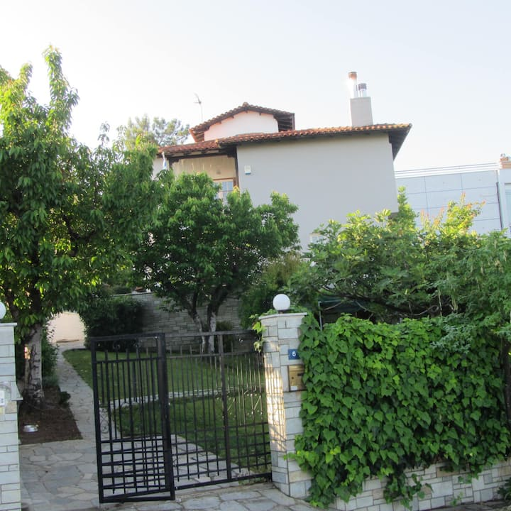 Villa of 6 to 22 people and Marriage Parties