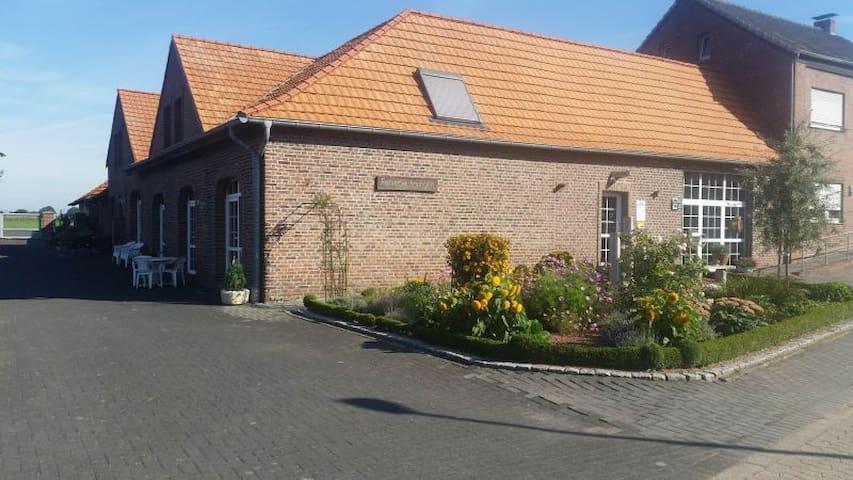 Adrianhof - Wohnung 3 - Brüggen - Apartemen