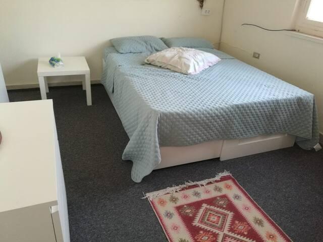 Cozy bedroom in Jabal Amman, second circle 2