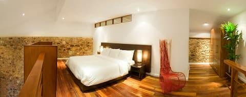★Amazing SUITE- Best Location in Casco Antiguo ★