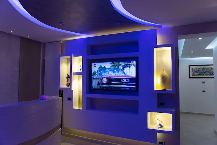 B&B Rossini Luxury Silver room