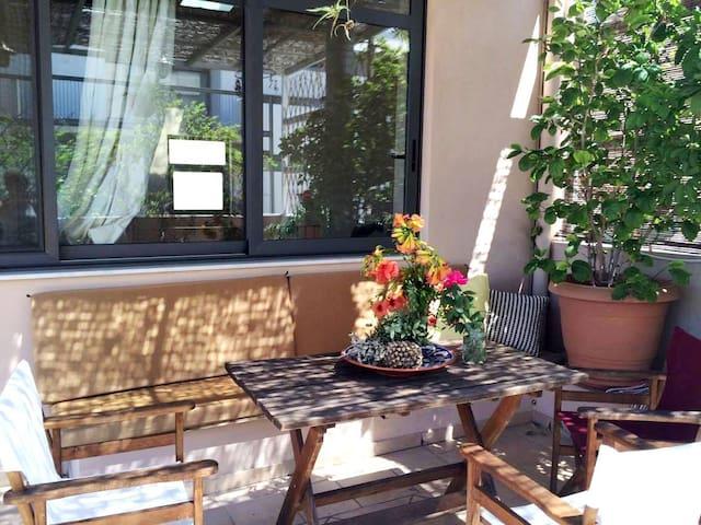 """"""" The Art Home in Amazonon Str."""" - Αθήνα - Casa"""