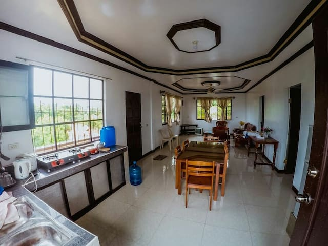 2 bedroom house & large living room - Malay - Casa