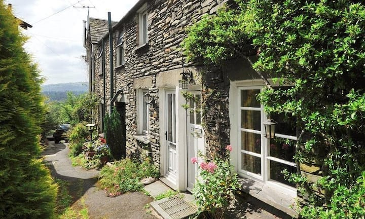 Fell View Cottage, AMBLESIDE