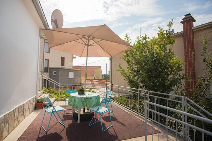 Apartment Ana with terrace, Vodice