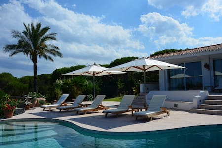 Villa Maestosa with the private beach - Villa