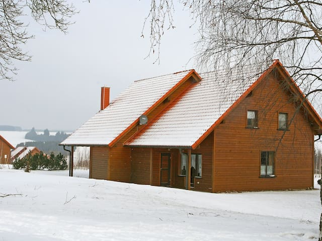 3-room semi-detached house 78 m² Reihenhaus Funke in Hasselfelde - Hasselfelde - 타운하우스
