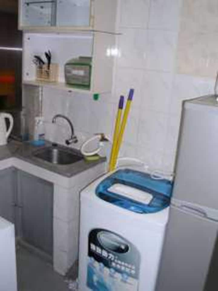 Wanchai Room Available 2/walkup (MH2A)