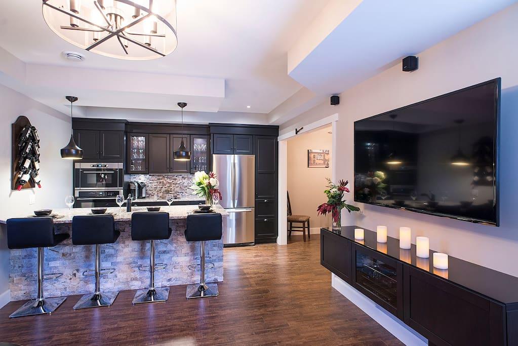 Kitchen/TV