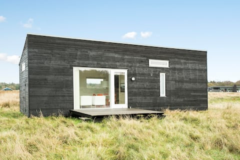 COSY AND BRIGHT TINY HOUSE NEAR THE WATER