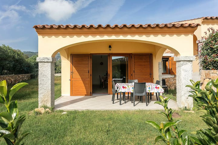 Holiday home with garden and barbecue - Villetta Caposchiera