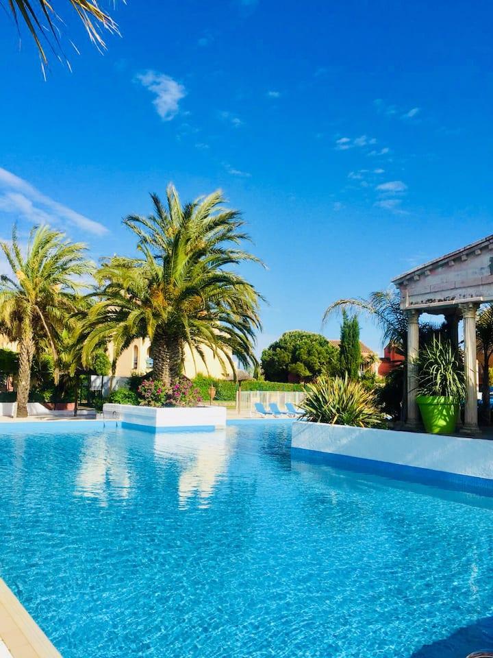 Magnifique f2 climatisée avec piscine diamant