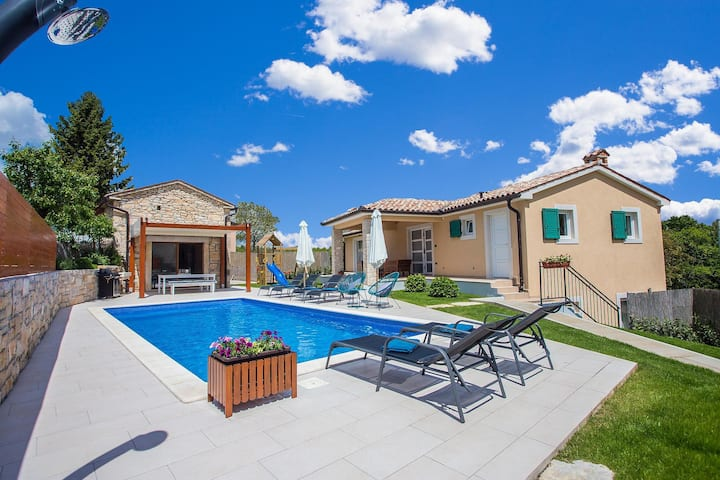 Villa Mathilda with pool and wellness