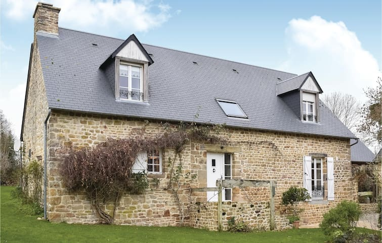 Holiday cottage with 3 bedrooms on 100m² in St. Pierre Langers