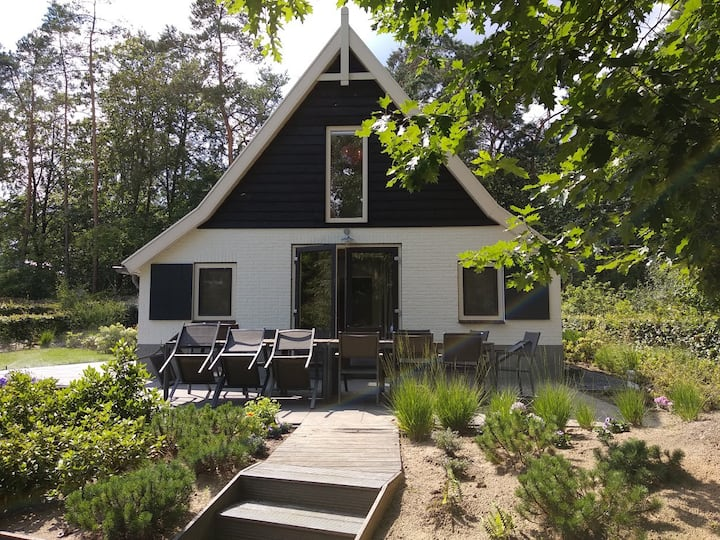 Luxury Vacation Home in Holiday park, Otterlo