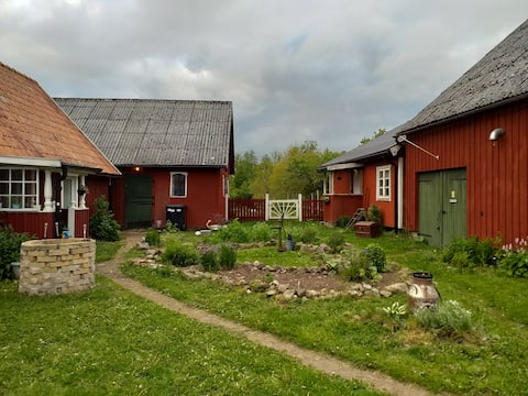 Cottage on a small farm in the middle of Skåne