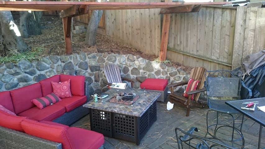 Private Studio in central BayArea location - Belmont - Huoneisto