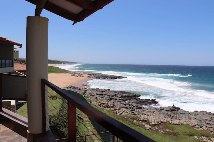 Breathtaking Beachfront Paradise!