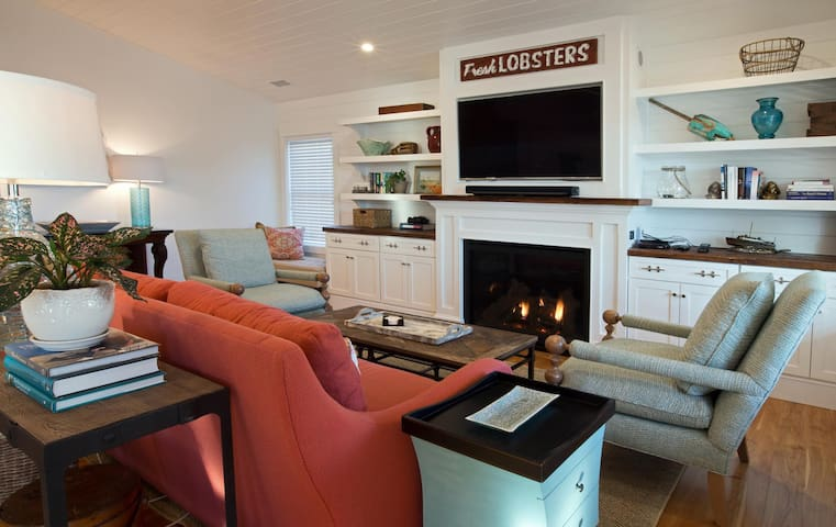 Gorgeous, NEW, year-round, 3 BR 3BA, custom duplex in the heart of Boothbay Harbor, Maine
