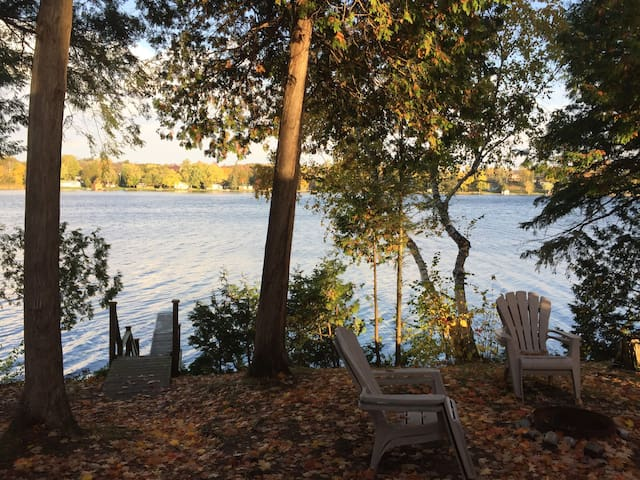 Fee's Landing Resort- Cottage E- 3BDRM waterfront - Kawartha Lakes - Casa de campo