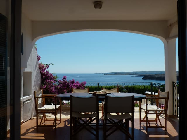 Breathtaking views from a cozy home - Arenal D'en Castell - Huis