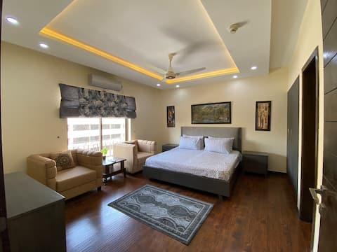 Luxurious 1 BHK at Top location of Twin Cities!