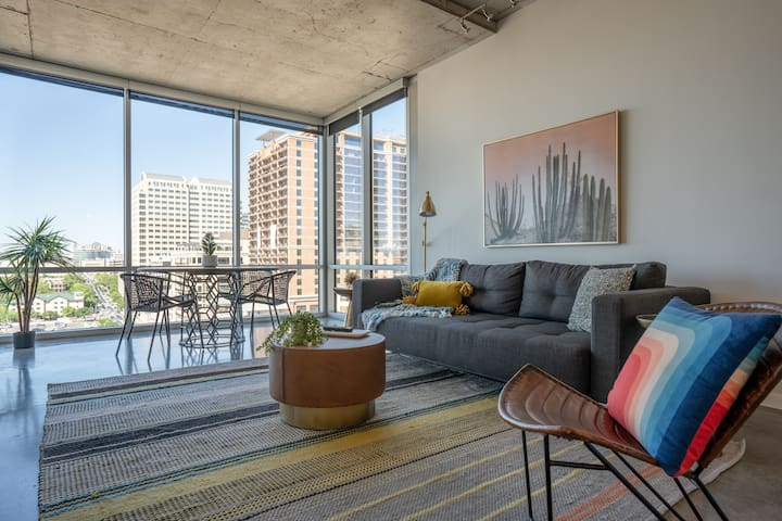 The Guild Downtown | City Center | 2BR Suite