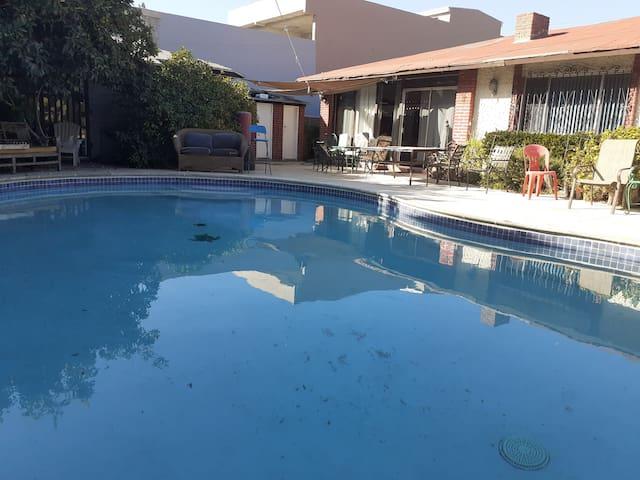 Casa 3 hab. 6 camas.Con Alberca y Mesa de Pool.