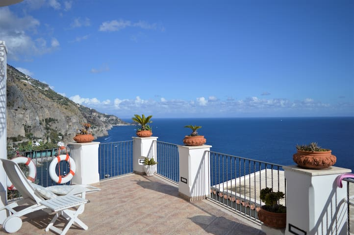 Medea luxury house close to the beach of Praiano