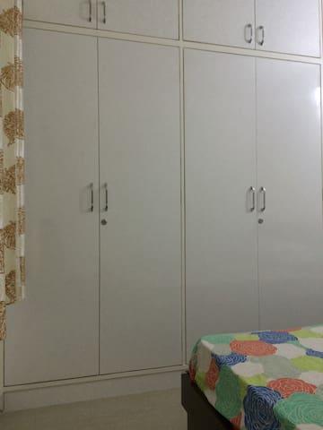 Bedroom1Wardrobe