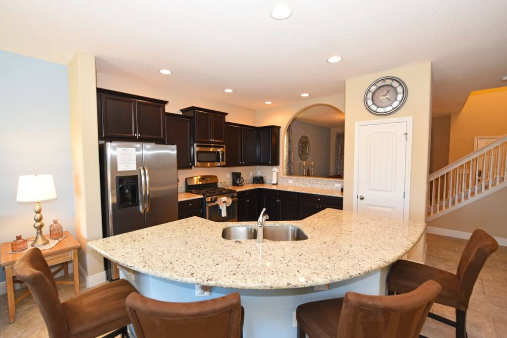 Sink,Dining Table,Furniture,Table,Chair