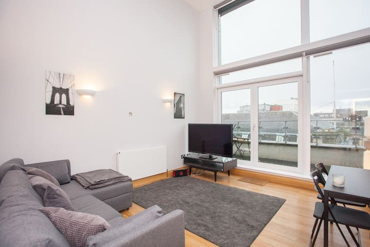 Duplex Apartment with Great City Views