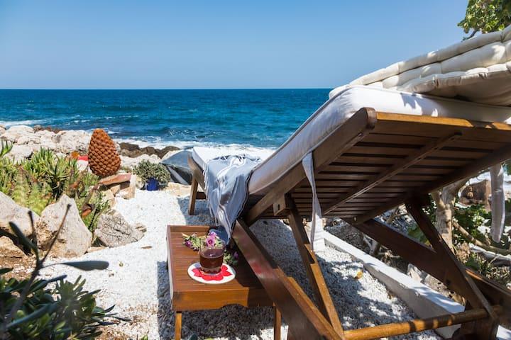 Direct sea access, Villa pieds dans l'eau Palermo