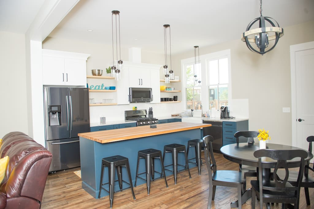 Bright and open kitchen/dining area