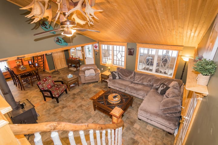 Caledonia Mountain Cabin Chalet