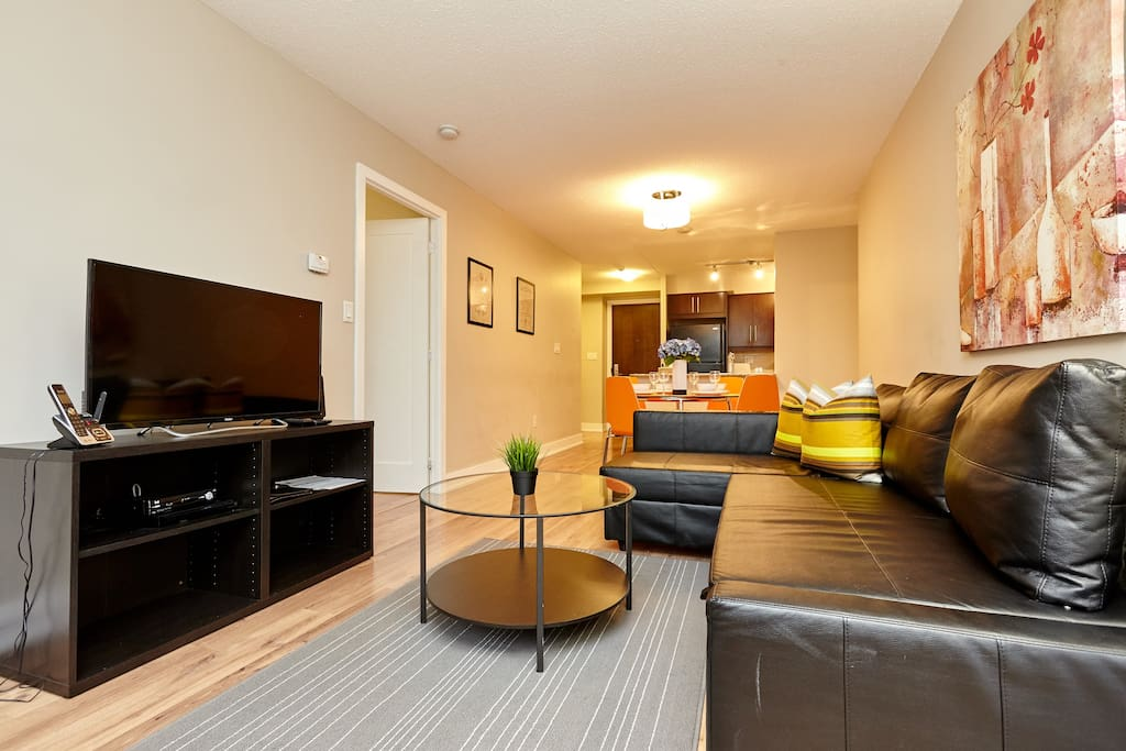 Rogers Center - 2 BR Luxury Furnished Apartment ...