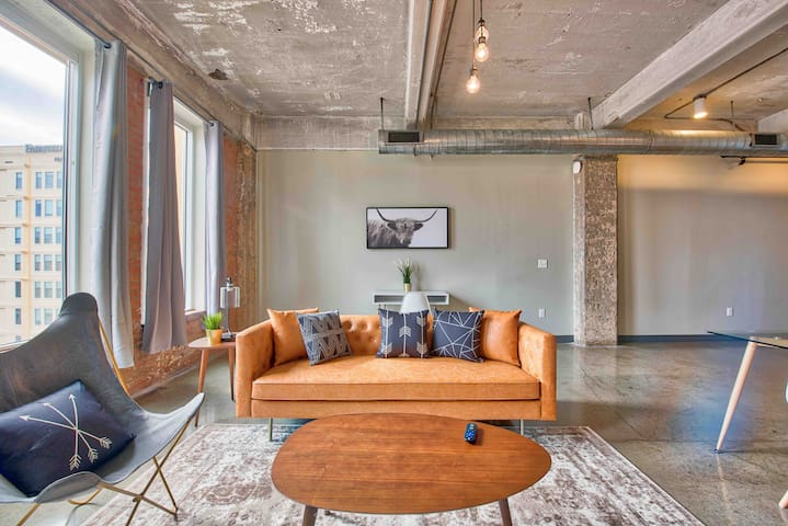 Radiant Downtown Luxury Loft