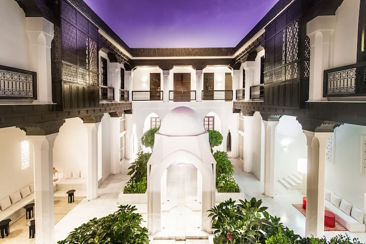 Riad De Luxe /Piscine /Spa/Restaurant à Marrakech