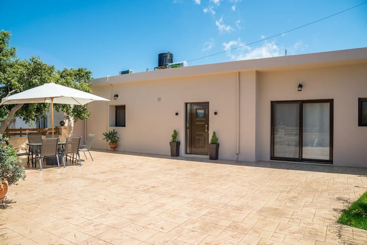 AMARANTOS HOUSE NEW 2018