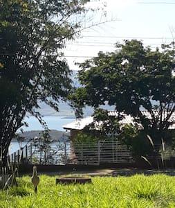 Casa de Campo na Vila Estreito