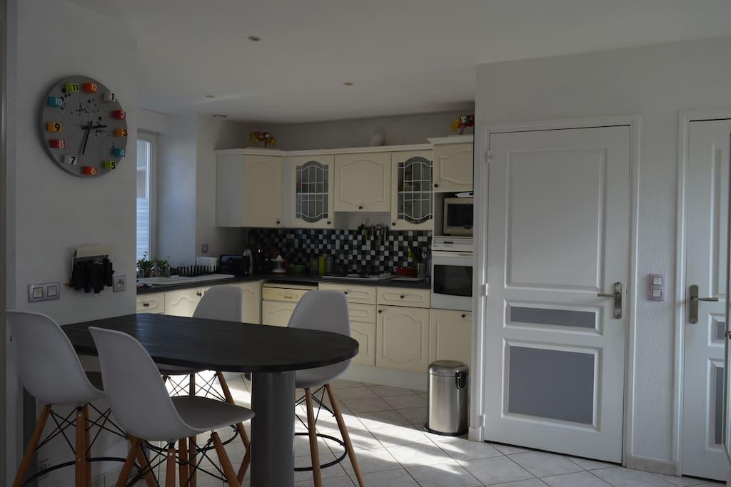 auray maison en pierre proche du golfe du morbihan maisons louer pluneret bretagne france. Black Bedroom Furniture Sets. Home Design Ideas