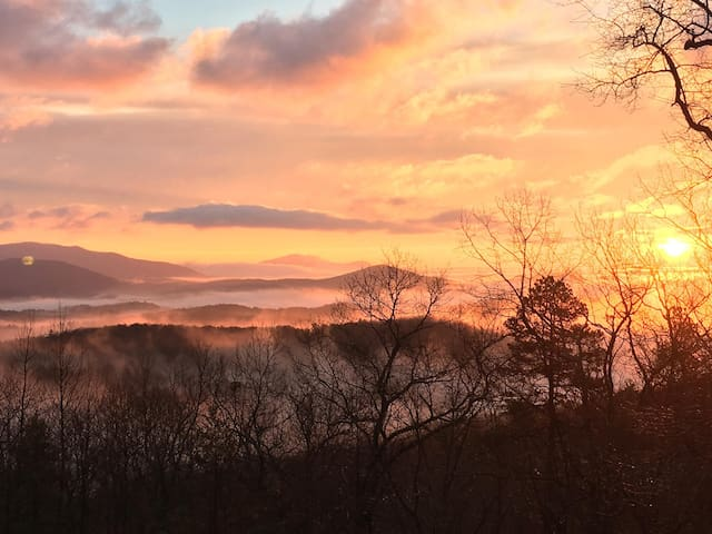 Above the Clouds in Dahlonega - Dahlonega - Byt