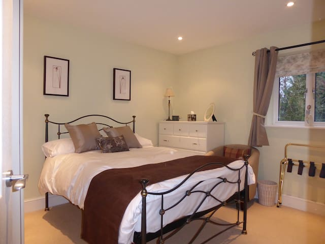 The Studio Apartment - Manningford Abbots - Bed & Breakfast